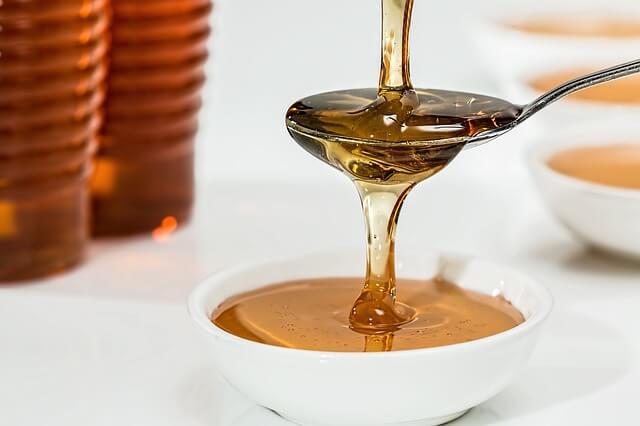 मधुमक्खी के काटने पर घरेलू उपचार कैसे करें?